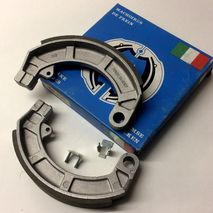 Vespa brake shoes V50S/VMA/90SS/ET3