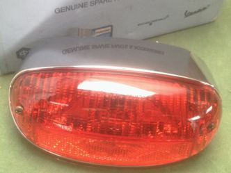 Vespa ET2 ET4 rear light 293602 image #1