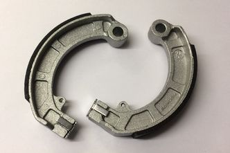 Vespa PX brake shoes made in Italy front and rear T5/LML image #1