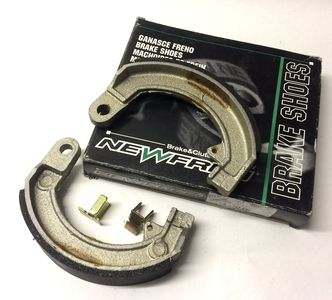 Vespa front brake shoes GS160/SS180/Rally/Sprint image #1