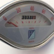 """Vespa """"clam"""" speedometer 80 mph USED VEGLIA"""