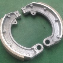 Vespa 90SS ET3 Primavera 50S rear brake shoes N.O.S