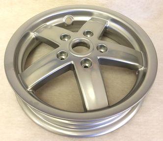 Vespa LX/LXV front wheel 599990 image #1